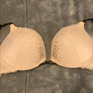 Victoria Secret Caged Bra Bombshell adds 2 cups